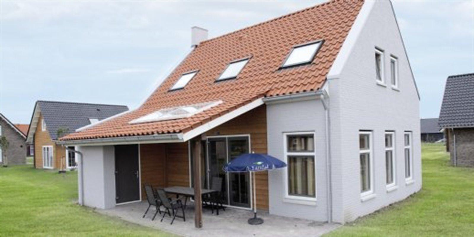 Landal Strand Resort Nieuwvliet-Bad | 8-Pers.-F...