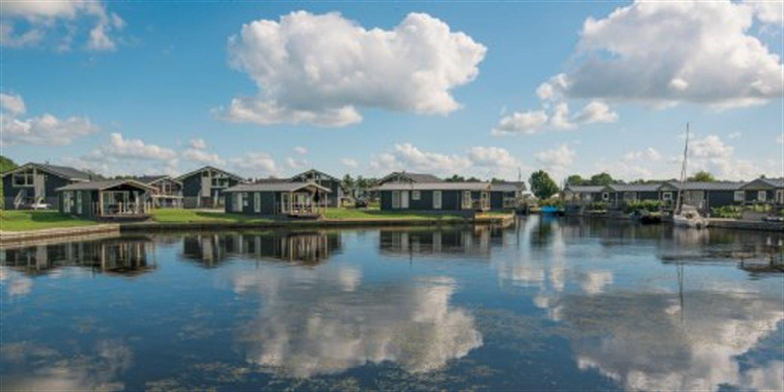 Landal Waterpark Sneekermeer | 2-4-Pers.-Cottag...