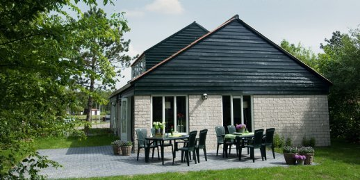 Landal De Bloemert | 12-persoonsbungalow | type 12G | Midlaren, Drenthe