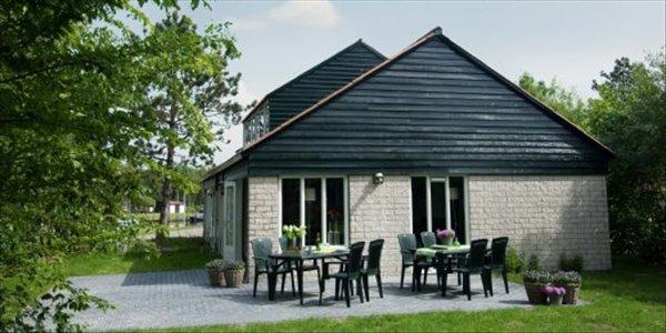 Landal De Bloemert | 12 persoonsbungalow | type 12G | Midlaren, Drenthe
