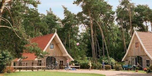 Landal Landgoed De Hellendoornse Berg | 6-persoonsbungalow - comfort | type 6DO | Haarle, Overijssel
