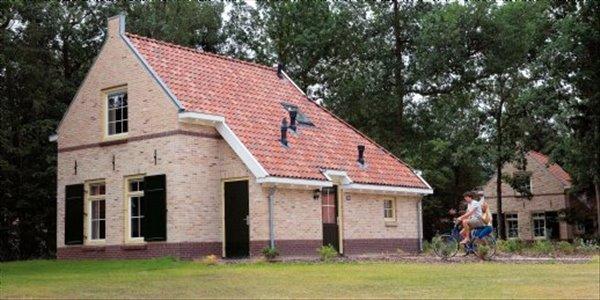 Landal Het Land van Bartje | 4 persoonsbungalow luxe | type 4BL | Ees, Drenthe